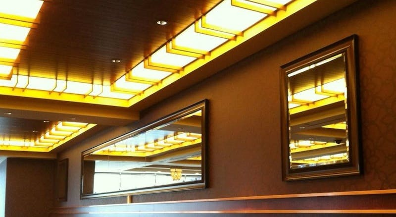 (The Horse Shoe Casino, Downtown) Installation of Beveled Mirror
