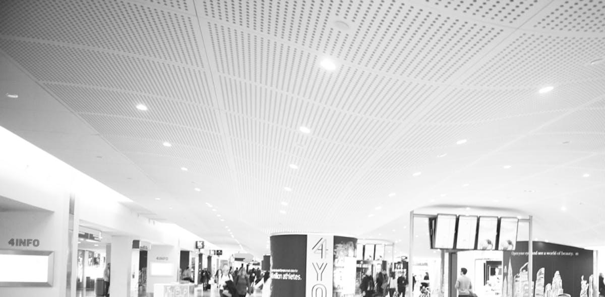 shops inside JFK terminal 4