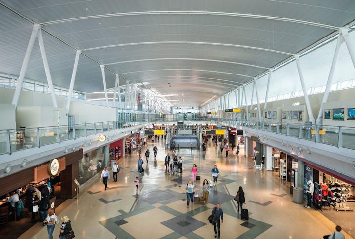 retail hall inside JFK terminal 4