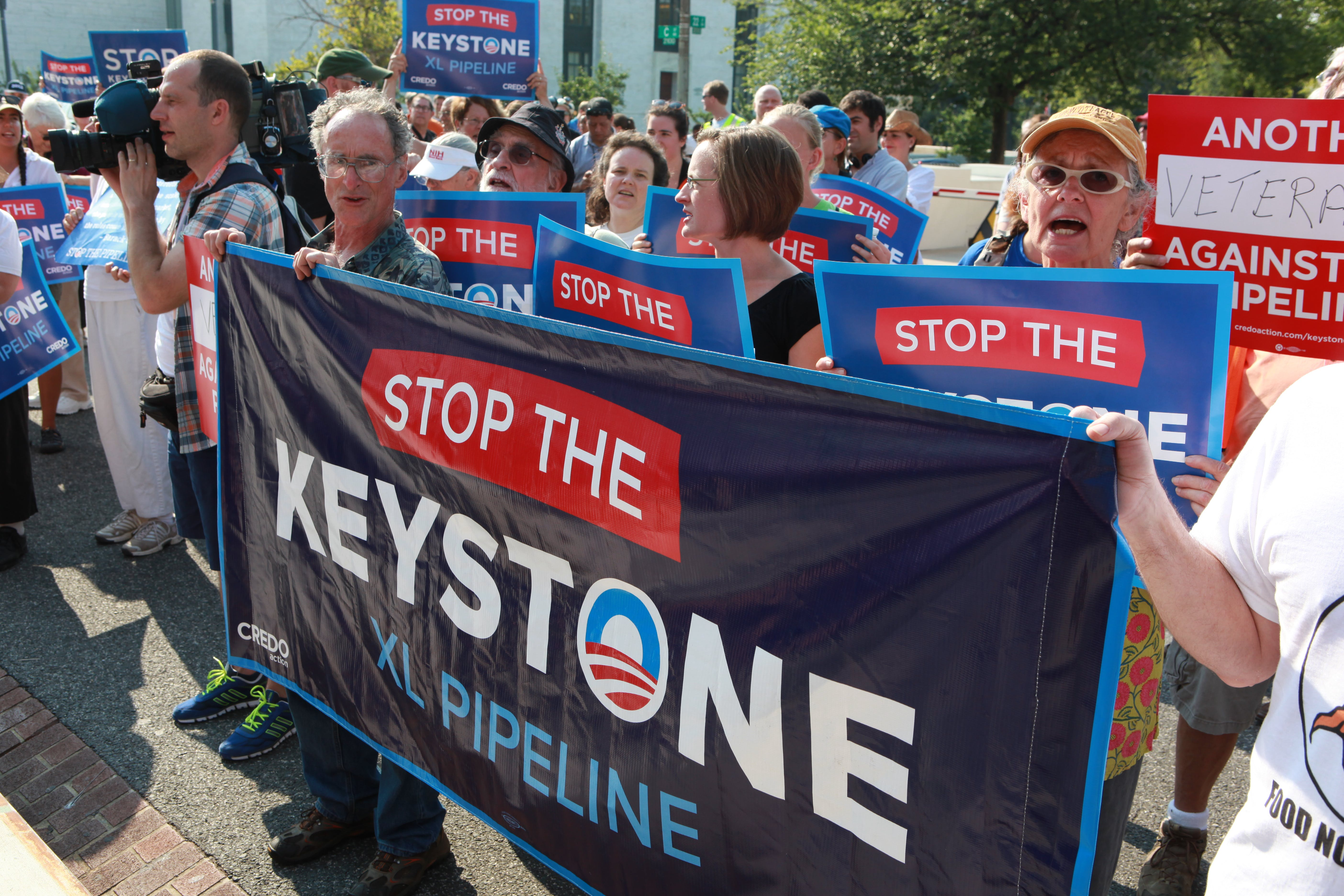 Urge Wells Fargo not to fund the Keystone XL Pipeline