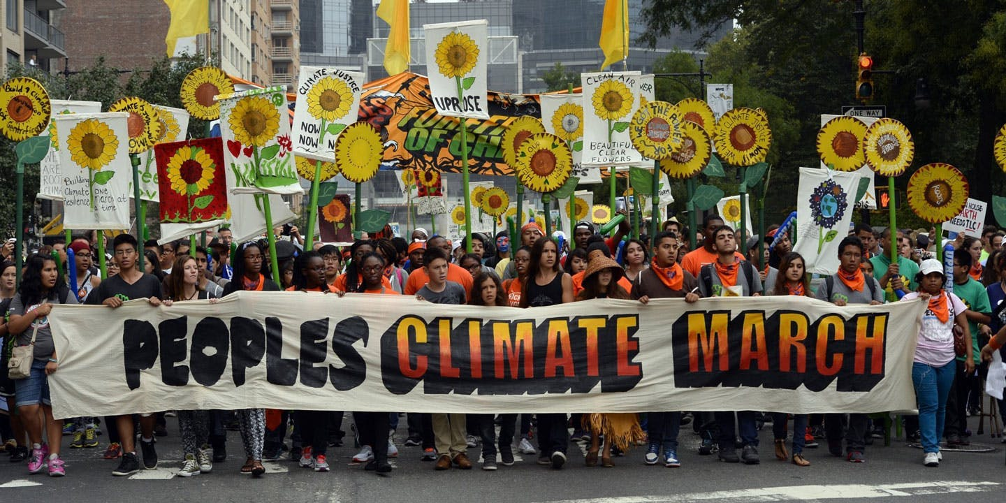 400,000 march alongside indigenous leaders calling for climate action
