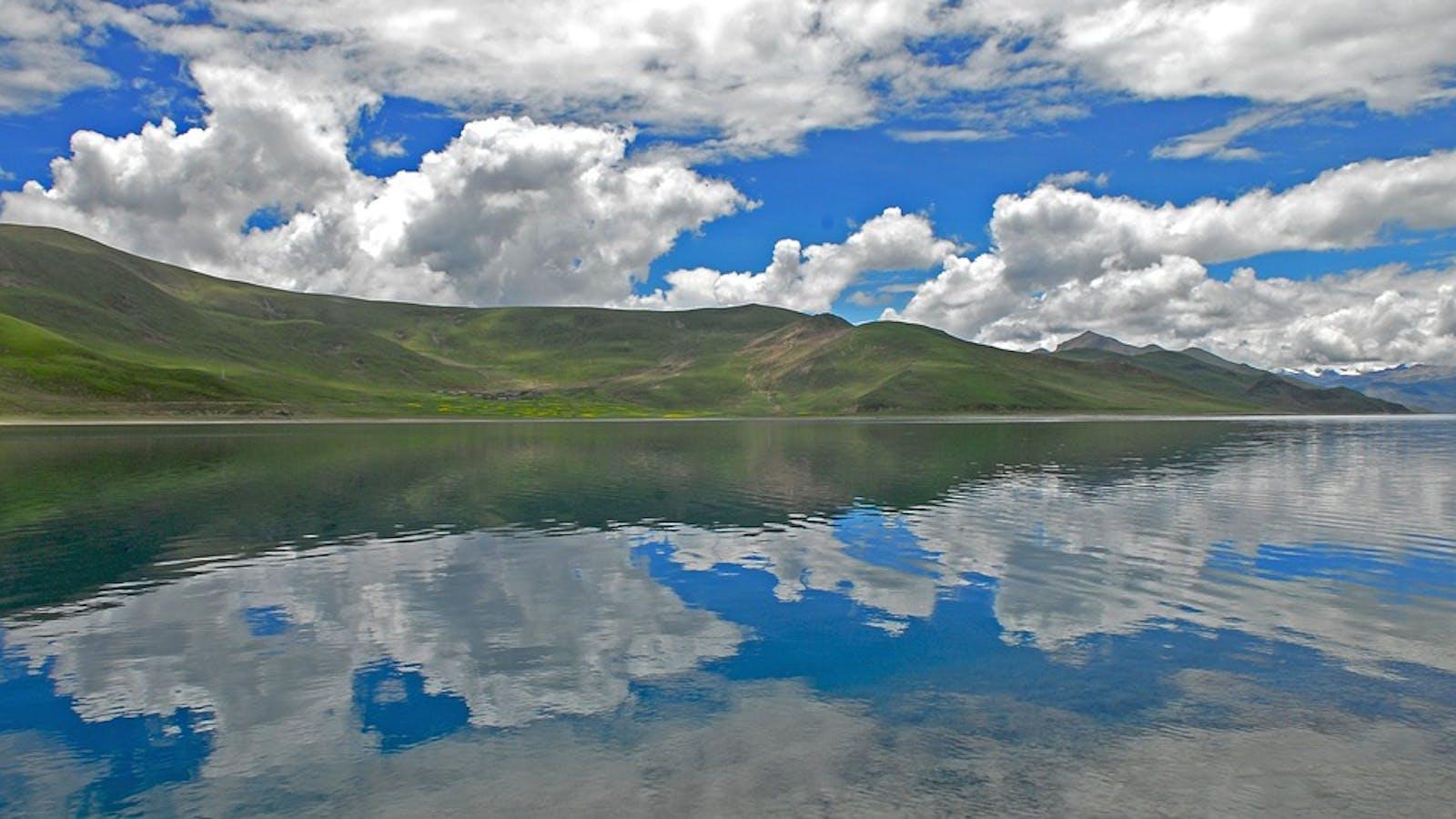 Yarlung Zanbo Arid Steppe