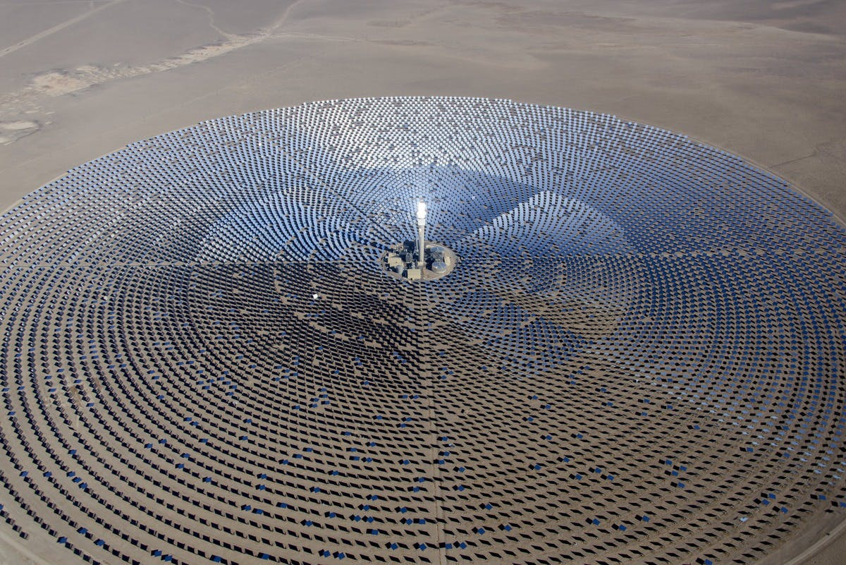 Nevada Cresent Dunes Solar. Creative Commons, BLM Nevada, 2015.