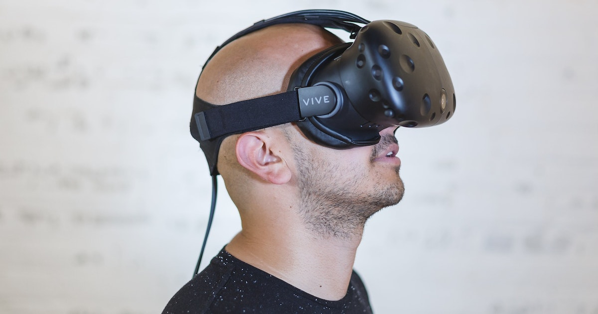 Your brain isn't the same in virtual reality as it is in the real world